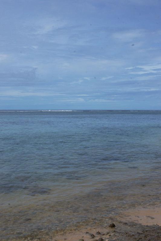マリアナリゾート前の海岸