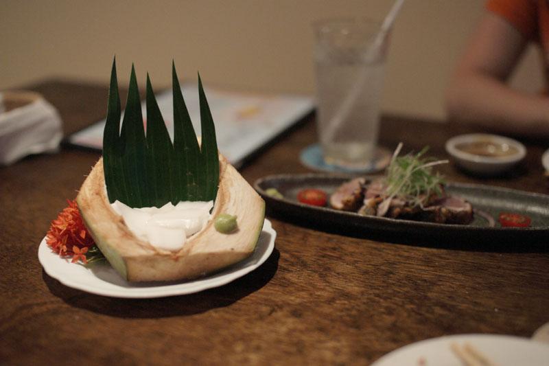 アグライア:ココナッツのおさしみ
